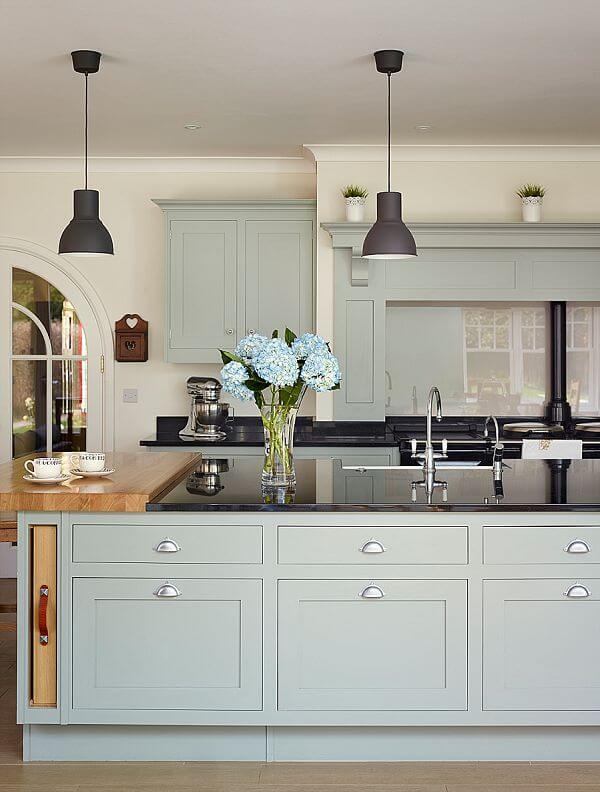 Light Blue And Airy By Smallbone Of Devizes The Kitchen Think